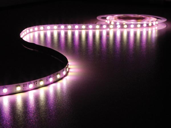 CINTA DE LEDs FLEXIBLE - COLOR RGB Y BLANCO CÁLIDO - 300 LEDs - 5m - 24V