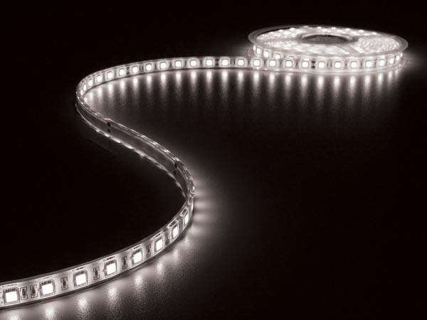 CINTA CON LEDs FLEXIBLE - COLOR BLANCO FRÍO 6500K - 300 LEDs - 5m - 24V