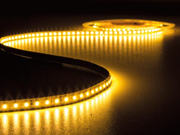 CINTA DE LEDs FLEXIBLE - COLOR BLANCO CÁLIDO 2700K - 600 LEDs - 5m - 24V