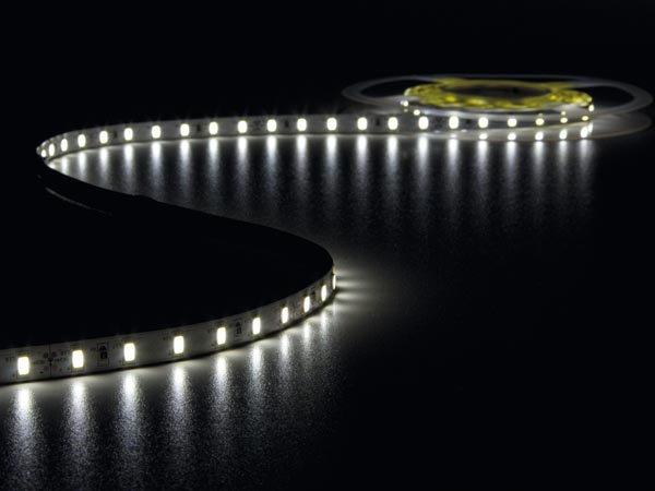 CINTA DE LEDs FLEXIBLE - COLOR BLANCO FRÍO 6500K - 300 LEDs - 5m - 24V