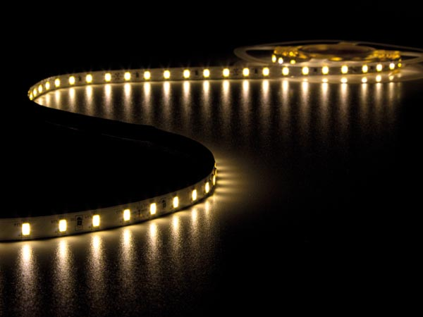 CINTA DE LEDs FLEXIBLE - COLOR BLANCO CÁLIDO 2700K - 300 LEDs - 5m - 24V