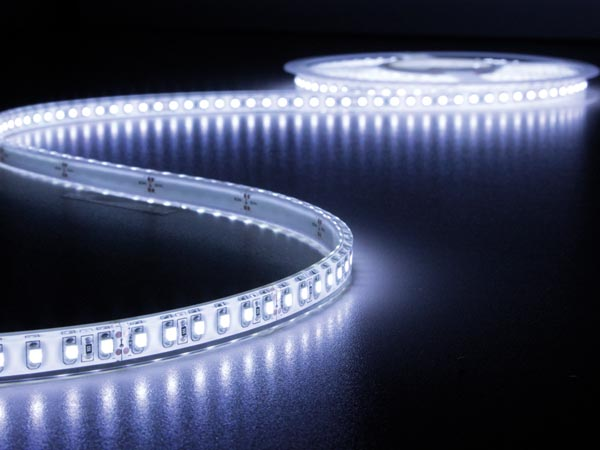 CINTA DE LEDs FLEXIBLE - COLOR BLANCO FRÍO 6500K - 600 LEDs - 5m - 24V